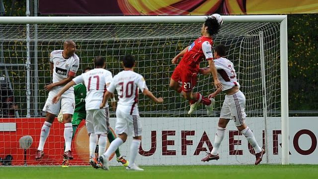Benfica vs Braga Live Streaming & Preview   Benfica vs Braga Live Streaming free on April 1-2016  Benfica gets Sp. Braga Friday in game of the 28th round of the League from 20.30  The two teams face each other in times of good results for both. Benfica want to keep the first place in the league while Sp. Braga seems to be comfortable in fourth place but has Arouca nine points.  Football Portugal Primeira Liga