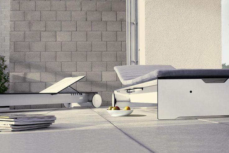 Leżak ogrodowy Riva lounge posiada  6 stopniową poziomą regulację zagłówka oraz poduszkę, która dzięki odpowiednim zamocowaniom nie będzie się zsuwała z leżaka i zapewni doskonały komfort wypoczynku.