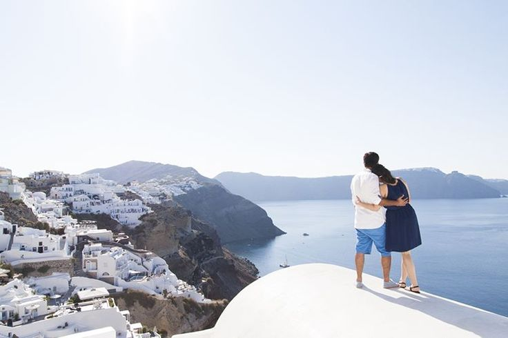 #honeymoonphotography #santoriniphotographer #santoriniphotography #honeymoon #engagementphotography #oia #destinationwedding #santorinigreece #santoriniisland #santorini #greece