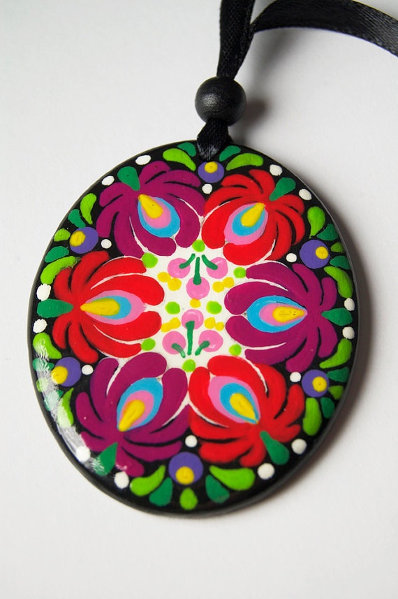 FREE SHIPPING Handpainted Matyo Wooden Necklace Oval