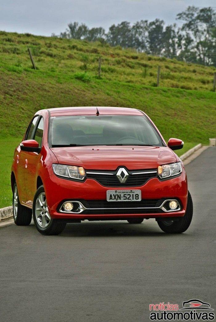 novo logan vermelho 1 700x1045 Novo Renault Logan: marca faz grandes alterações externas, mas conserva a essência de seu sedã compacto