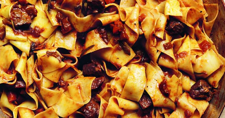 A rich pasta recipe which features duck sauce within ribbons of pappardelle. Using duck breasts, this hearty Italian dish is best with lashings of parmesan.