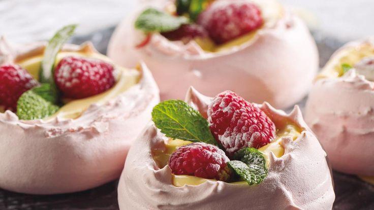 Recetade merengue perfecto, con colores y aromas diferentes.
