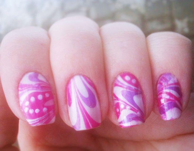 Marble Manicure: le foto più belle La marble manicure è una nail art realizzata con una tecnica che consiste nel creare delle decorazioni marmorizzate utilizzando una bacinella di acqua e degli smalti colorati lavorati con l'utilizzo di uno stuzzicadenti o un dotter per unghie. E' piuttosto semplice, anche se all'apparenza …