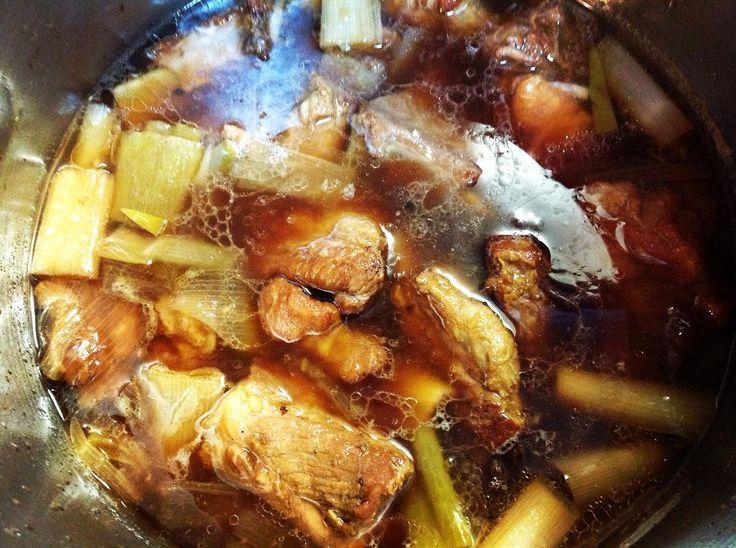 スペアリブの黒酢煮  Black Vinegar Pork Spare Ribs   本日やってます。  We are open tonight.  1900pm - 0230am  ph. 09078778319  #取材拒否  http://ift.tt/2cNa5MZ