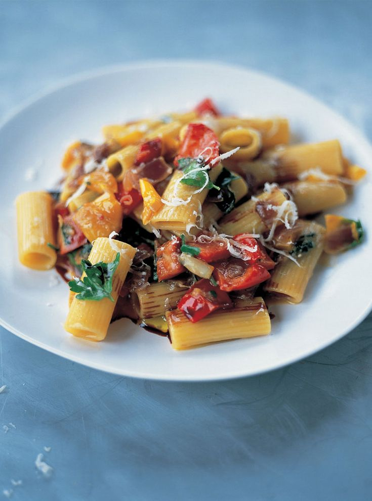 This is a great pasta dish using rigatoni, which is quite robust. It makes a really nice lunchtime snack. The mascarpone or crème fraîche is a lovely addition, but you can leave it out if you prefer. It will give you a wonderful mottled sauce, but try it without first and see how you go.