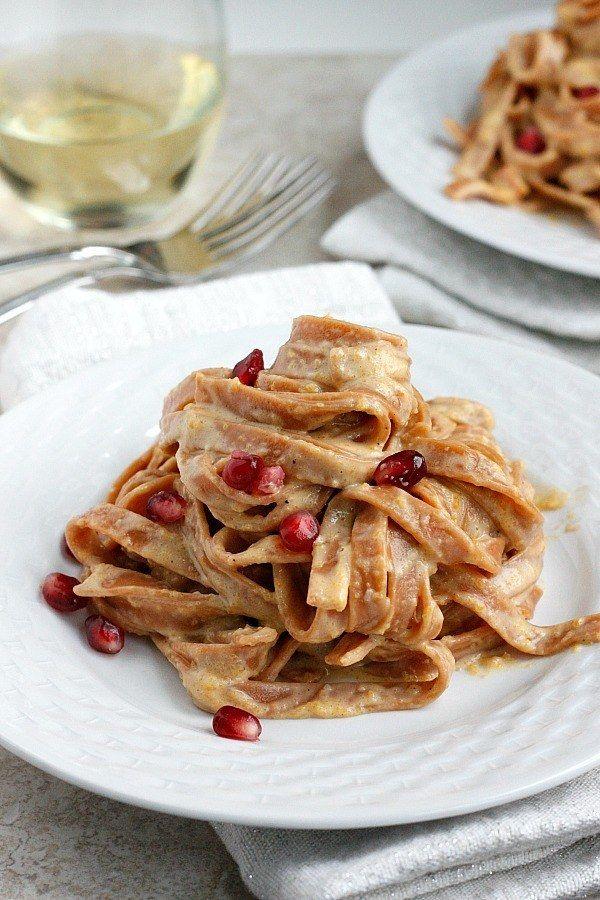 Pasta Alfredo mit Butternusskürbis   23 einfache Abendessen, die Du nach der Arbeit kochen kannst