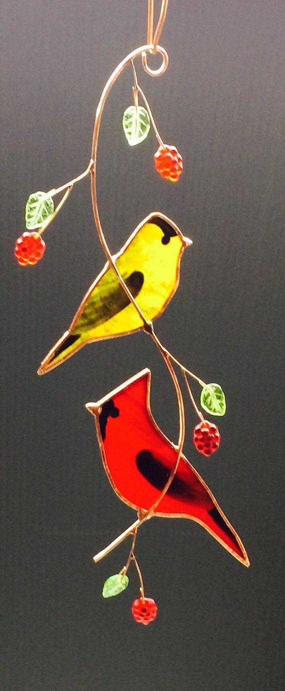 Gebrandschilderd glas paar voor kardinaal en gouden finch