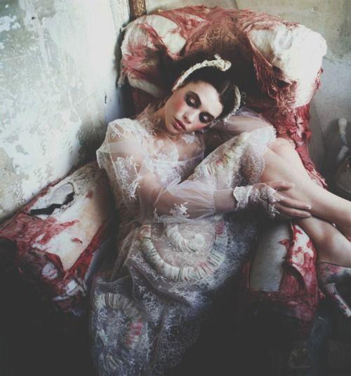 a sleeping beauty/ellen von unwerth