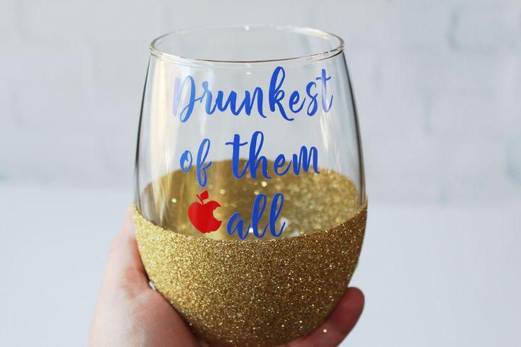 Drunkest of them All // Disney Princess Bachelorette Party Glasses  // Snow White Glass //Disney Wine Glass // Disney Glitter Wine Glass by OhDarlingDrinkware on Etsy
