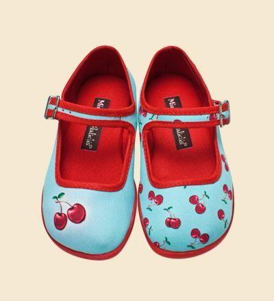 Cute girls shoes: Cute Girls, Little Girls, Cherries Girls, Girl Shoes Socks, Galan Girls, Girlie Shoes, Girls Fashion, Girls Shoes