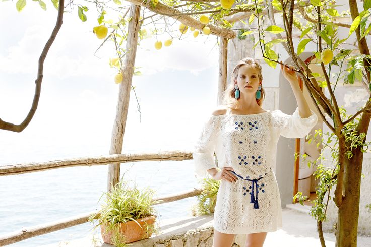 Raffaela D'Angelo cruise 2016  #white #blue #lace #crystal #macrame #beautiful #gorgeous #summeriscoming  CRUISE collection reminds to the venetian traditions with its floral embellishments and decors.  Fresh colors and hyper feminine prints, the collection develops itself around the usual macrames, laces, nets, embroideries and prints with a precious, luxurious and unconventional mix.