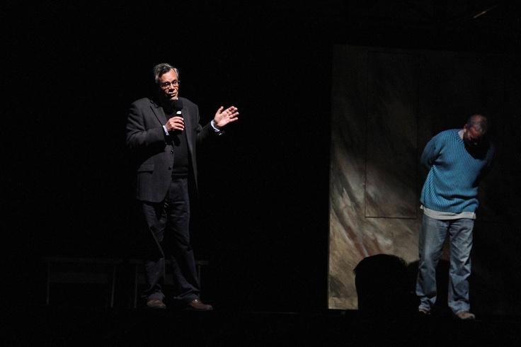 """Todos Al Teatro es un proyecto cultural y educacional que se realiza hace más de 5 años en Santiago, por la Fundación Luksic, y por 4° año consecutivo realizará su intervención en la ciudad de Antofagasta. En esta oportunidad, se trata de la obra """"Las Brujas de Salem"""", con la actuación de Francisco Melo y un gran elenco de actores de la compañía Fiebre."""