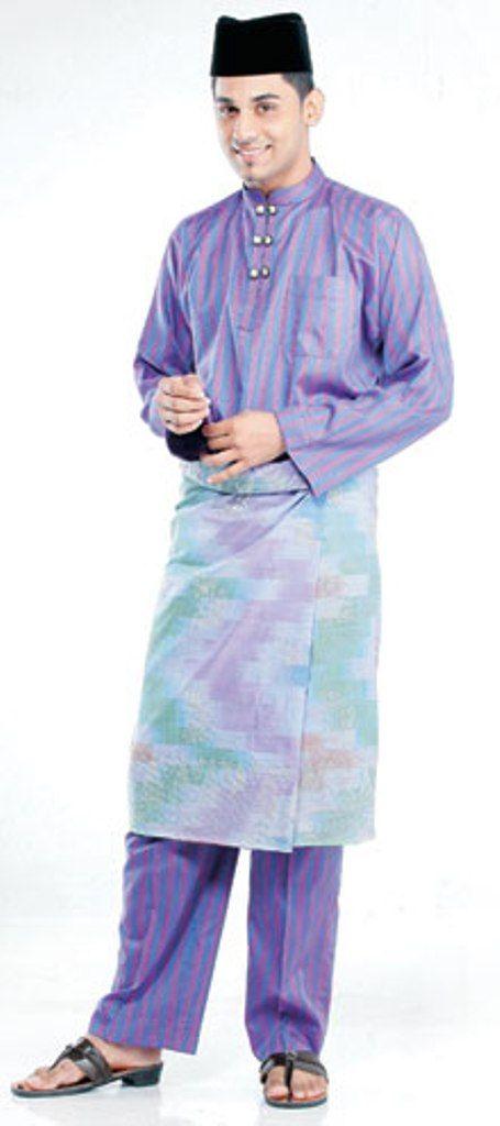 Baju Melayu Cekak Musang.