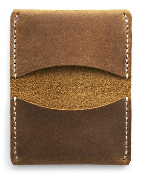 Astoria 3-Pocket Slim Leather Wallet Featured in by Waskerd                                                                                                                                                                                 Más