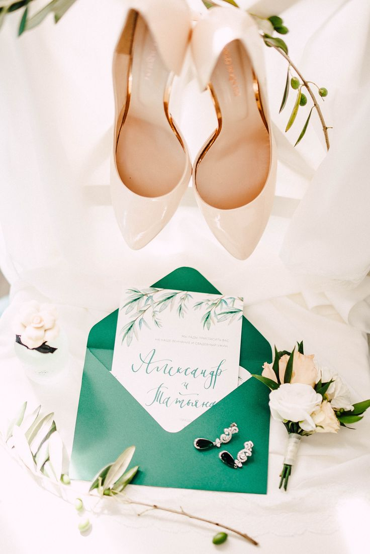 Concept, decor, flowers by Mrs. Maxim Wed Bureau | photo @youmewed #shoes #bridal #bride #green #wedding #day #invitations #paper #flowers #jewelry