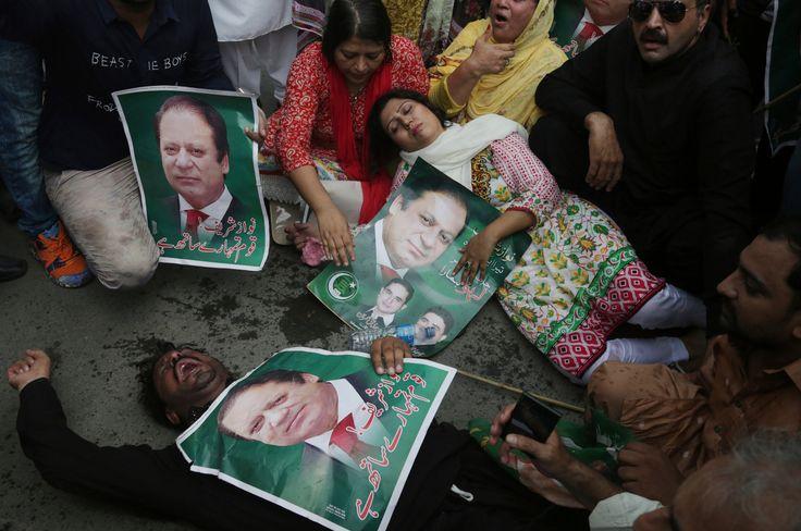 Nawaz Sharif Pakistans Prime Minister Toppled by Corruption Case