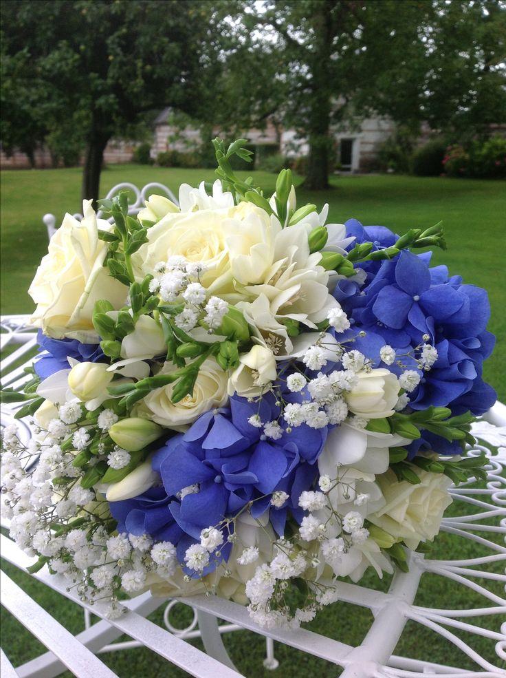 les 25 meilleures id es de la cat gorie hortensia bleu sur pinterest fleurs bleues choses. Black Bedroom Furniture Sets. Home Design Ideas