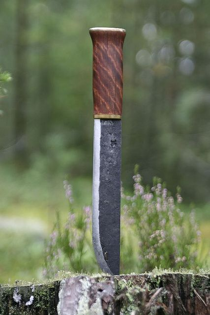 Leuku knife made by Pasi Hurttila