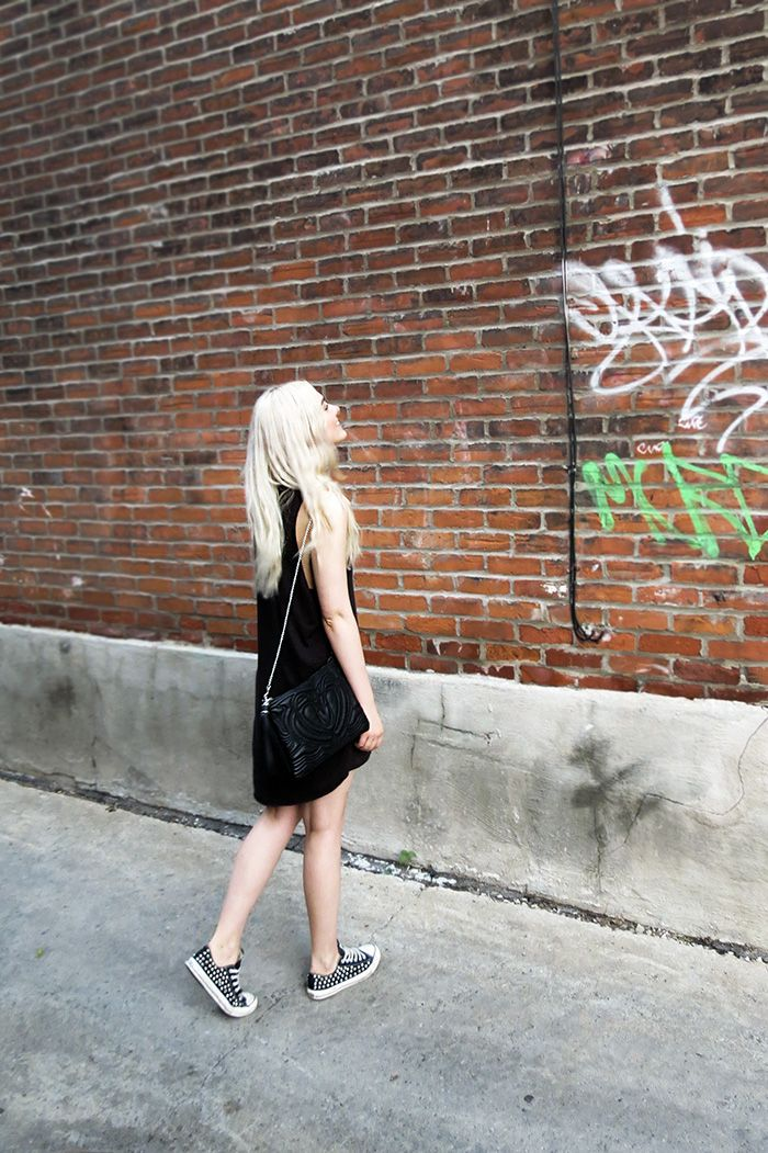 Fashion Tartare - In love with her DIY studded Converse. If you haven't seen this blog, check it out!
