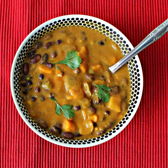 African Sweet Potato Soup with Peanut Butter and Black Beans - can't believe I'm about to say this, but hey autumn, come faster!