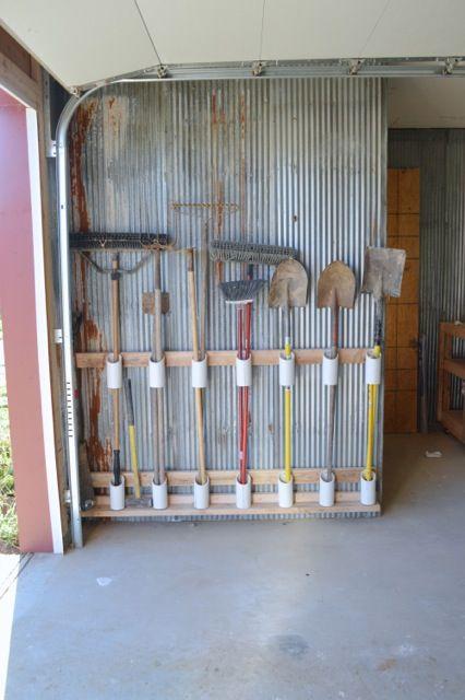 Garden tool storage rack woodworking projects plans for Diy garden tool storage