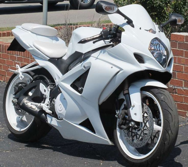 best looking bike ever... sick GSXR1000