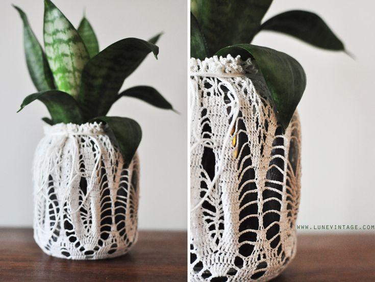Lune Vintage: Lunes Crochet Planter (tutorial): Lunes Crochet, Planters Tutorials, Crochet Planters, Planters Diy, Vintage Lace, Vintage Wardrobe, Diy Tutorials, Lune Vintage, Vintage Crochet