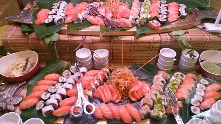 Sunday brunch sushi bar