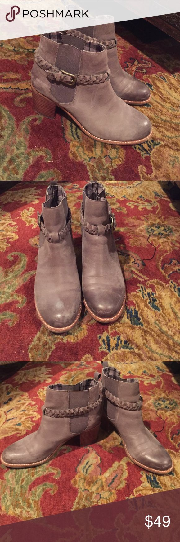 Women's Sperry Topsider Boots Women's Sperry Topsider Boots. Gently used. Lots of life left! Great for winter. Cute and comfortable! Sperry Top-Sider Shoes Ankle Boots & Booties