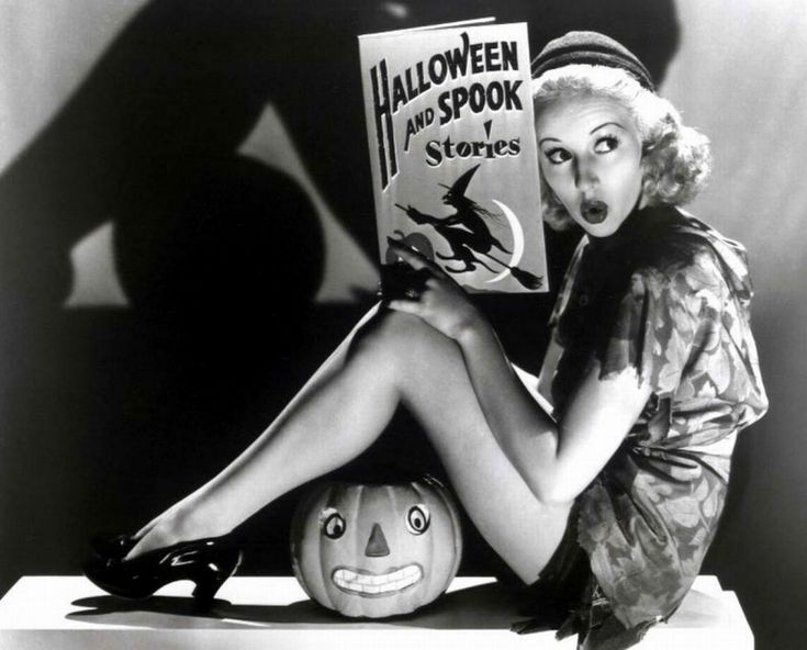 The Everygirl's Ultimate Halloween Playlist #theeverygirl