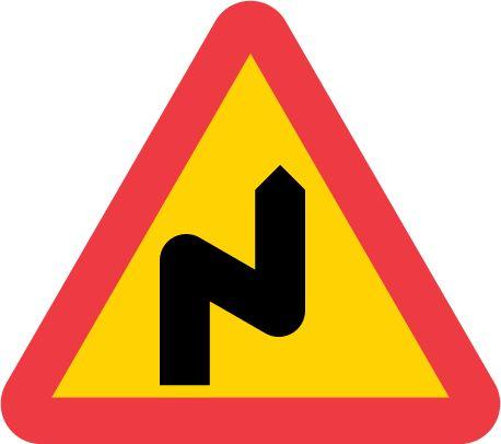 A2-2-varning-flera-farliga-kurvor-hoger