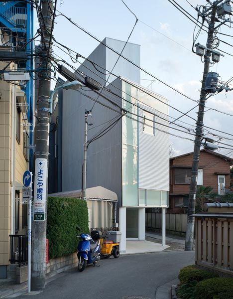 House In Nakameguro Is A Minimalist House Located In Tokyo Japan Designed By Hayashijun Takashi Architects The Small Home Is Located On A Full Plot In
