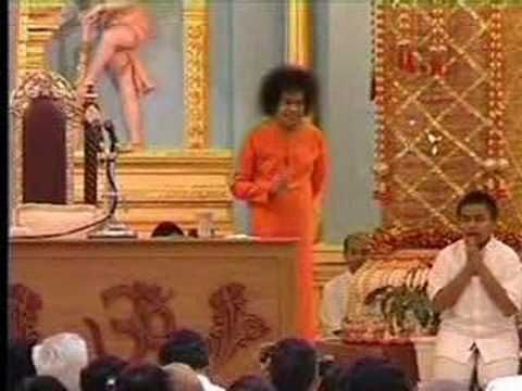 Sai Baba -Aarti For Bhagavan - YouTube