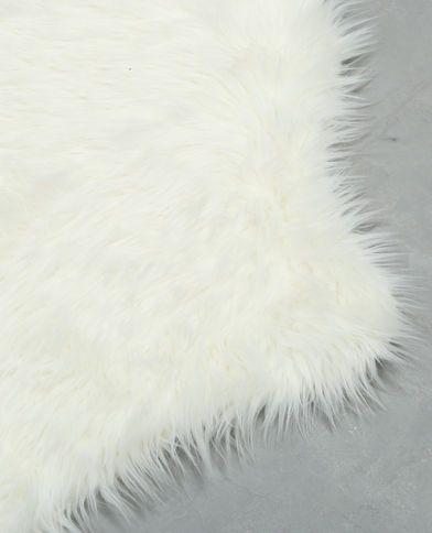 1000 id es sur le th me tapis de fourrure sur pinterest tapis de mouton tapis et tapis flokati. Black Bedroom Furniture Sets. Home Design Ideas
