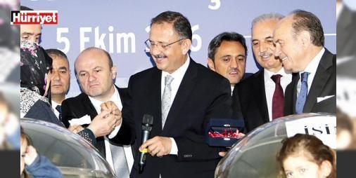 Kiptaştan 400 aileye anahtar : ÇEVRE ve Şehircilik Bakanı Mehmet Özhaseki kentsel dönüşüm kapsamında KİPTAŞ tarafından Eyüp Alibeyköyde Vakfılar Genel Müdürlüğü İBB ve şahıslara ait toplam 61 bin 500 metrekarelik alanda yaptırılan içinde üniversite okul yurt ve üç caminin bulunduğu 5. Levent projesinin ilk etabındaki 400 konutu hak sahiplerine teslim etti.  http://ift.tt/2dFJCDO #Ekonomi   #üniversite #okul #yurt #yaptırılan #alanda