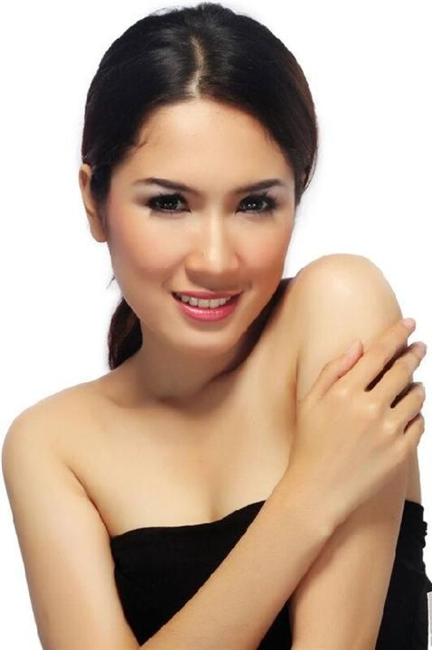 Syntia Fitriyani Layinah Miss Indonesia 2015 Contestant