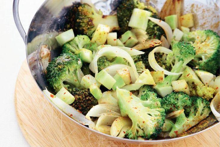 Broccoli met kerrie uit de wok - Recept - Allerhande