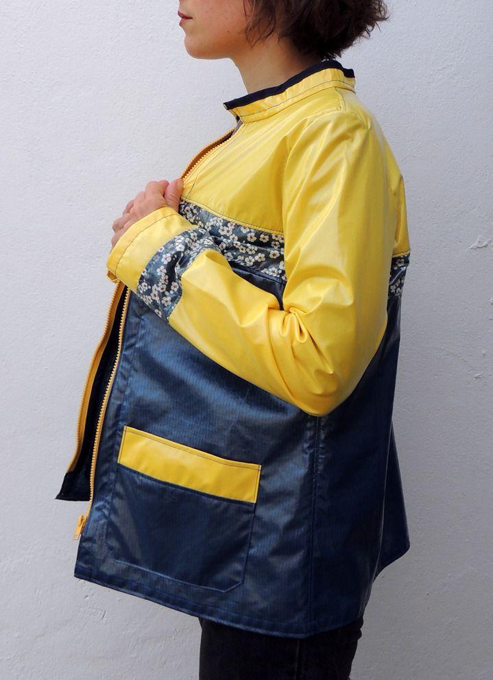 Coupe-vent imperméable bleu, jaune et liberty / par Chiqué* : Manteau, Blouson, veste par chique