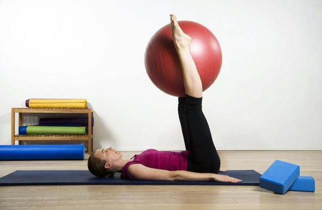 Beginner Pilates Exercises - a 30 Day Quick Start Guide