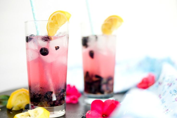 We're taking a break from pinning & gardening with a refreshing virtual sip of this blueberry lemonade from Aniko of Place of My Taste (posting on 36th Avenue). Go ahead, prop your feet on the porch rail, lean back in the rocking chair and contemplate the blueberry farm you'll plant next spring.    @the36thavenue