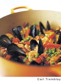 BY FAR MY FAVORITE DISH EVER--THIS IS MY SPECIALTY--VERY HARD RECIPE TO FIND--SO GLAD I FOUND THIS!!! Paella Recipe | Leite's Culinaria  -  #LeitesCulinaria #LCHolidayTable