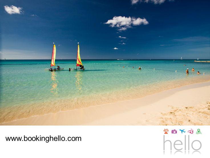 VIAJES PARA JUBILADOS TODO INCLUIDO AL CARIBE. Durante tus vacaciones en el Caribe, date la oportunidad de hacer un recorrido relajante por las aguas cristalinas de las playas de República Dominicana. Navegar en un catamarán, te permitirá contemplar su maravilloso entorno natural. En Booking Hello te invitamos a visitar nuestra página web, para conocer nuestros packs y resorts donde disfrutarás la mejor experiencia all inclusive. #elcaribeparajubilados