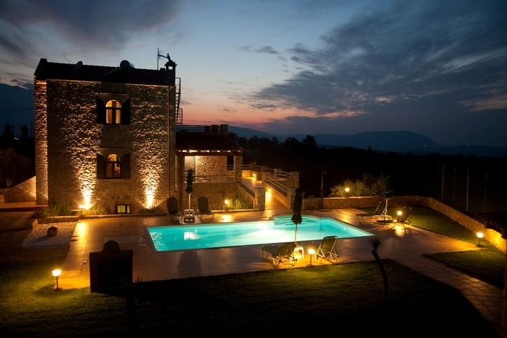 http://www.villastostay.com/villa.php?region=Crete