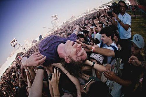 Cage The Elephant @ Lollapalooza Brazil: Crowd Surf, Matthewshultz Cagetheelephant, Cage The Elephant