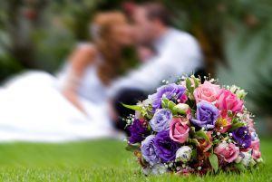 Chcete mít šťastné manželství? Vybírejte partnera podle pozice, ve které se narodil