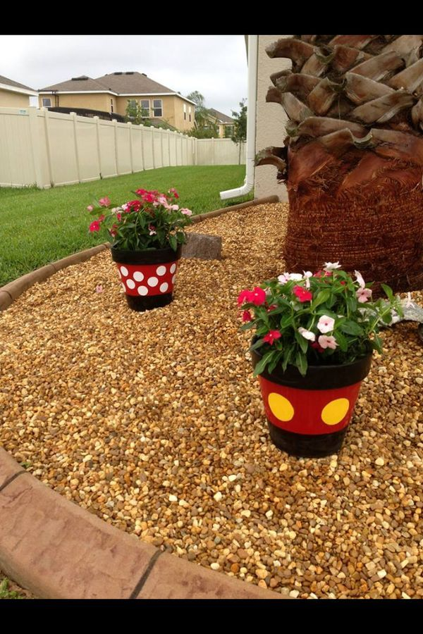 Mickey and Minnie planters | living room | Amenagement jardin, Déco ...
