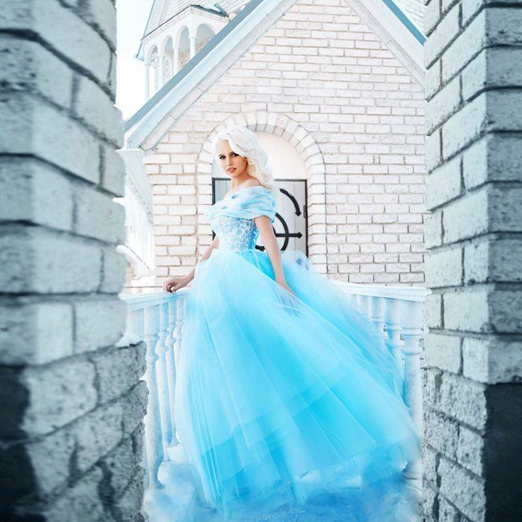 """Как же мы влюблены в это платье! �� Всё потому, что оно сказочное. ✨ ⠀ Платье """"Золушка"""" сшито специально для проекта #12НЕВЕСТ Ph @pavel.baymakov Md @999katerina999 Mua @irinashe_makeup Hair Ирина Суворина ⠀ Отличная новость! Платье """"Золушка"""" можно взять в АРЕНДУ для фотопроектов и воплощения Ваших творческих идей. ———————————————————— Звоните/ пишите! �� +7 (951) 489-82-07, Viber, Директ закрыт ⠀ #elena_weddingdream #свадебноеплатье #свадебныйсалон #свадьба #свадебноефото…"""