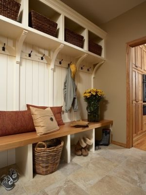 marisamarisa Entry bench with coat hooks