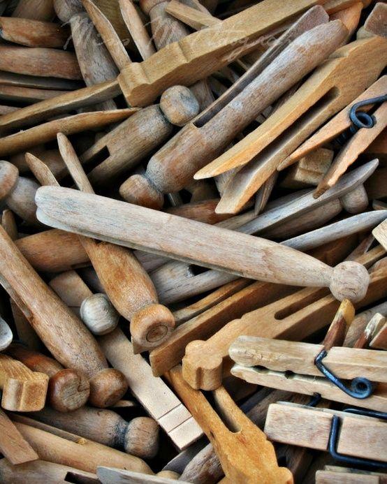les 130 meilleures images du tableau poup es en pingles linge de bois sur pinterest pinces. Black Bedroom Furniture Sets. Home Design Ideas